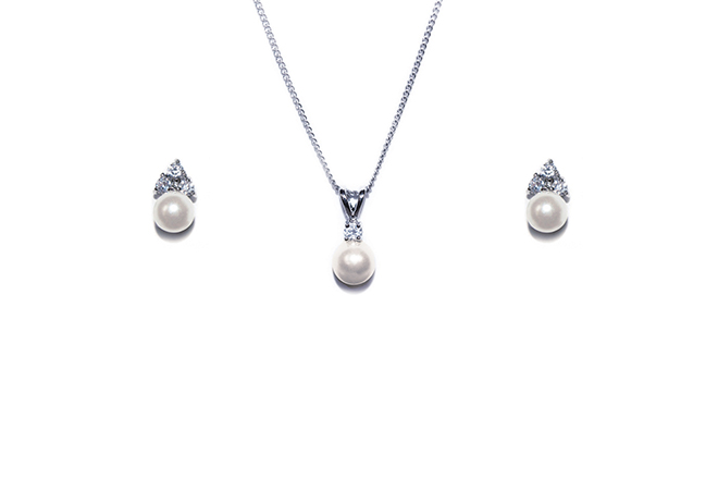 Ivory and Co Classic Pearl Pendant