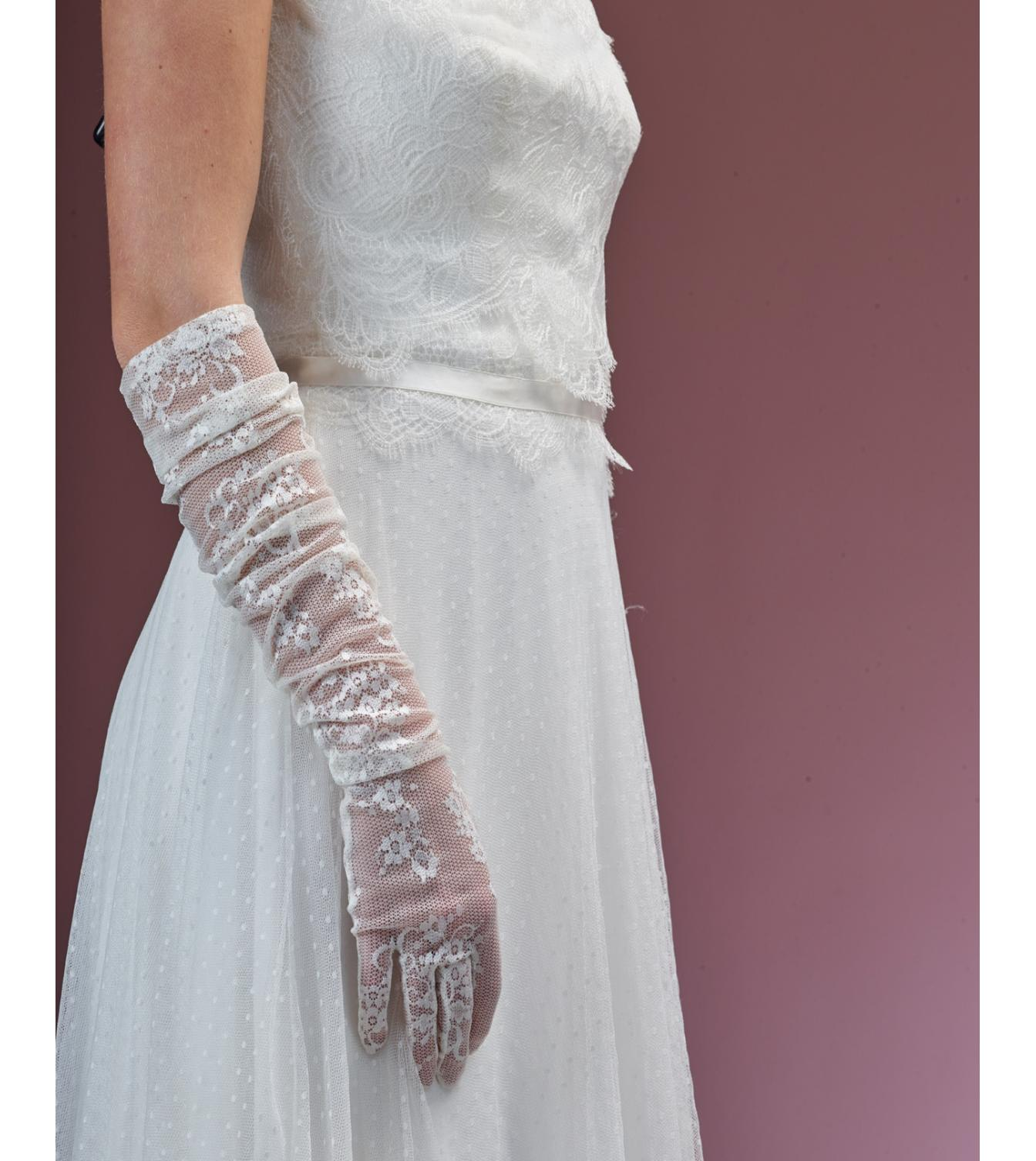 Poirier Fionne Long Lace Glove