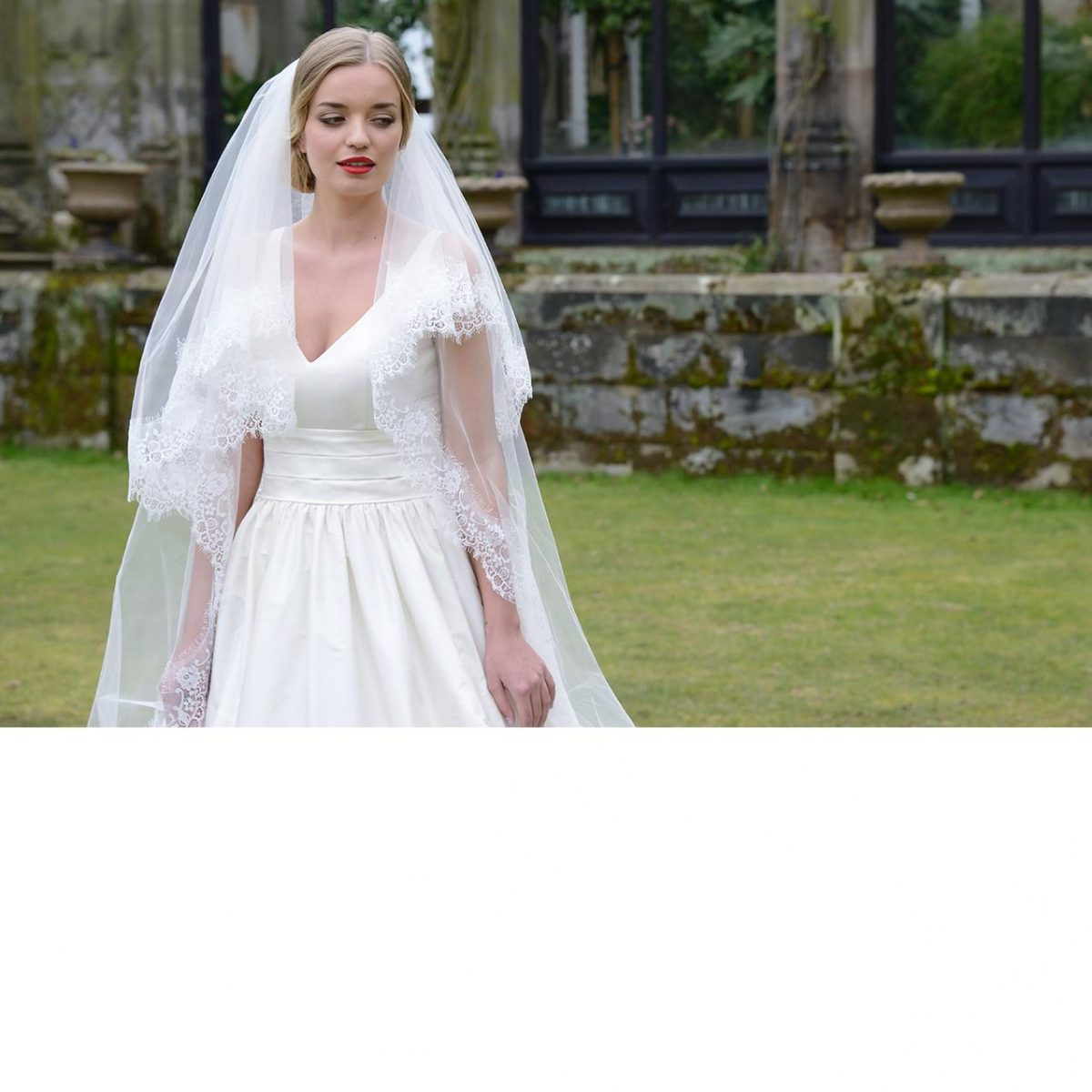 Ivory and Co Versailles Veil