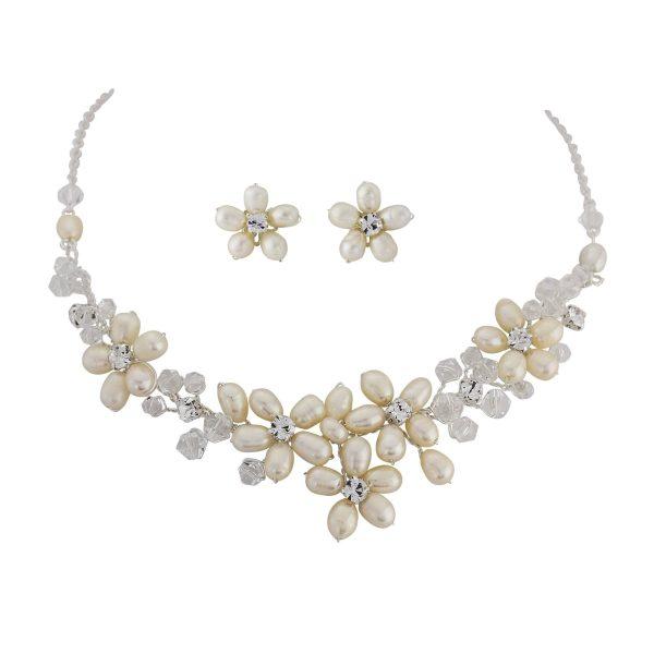 Enchanting Freshwater Pearl Necklace Set