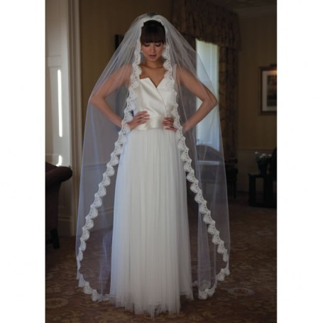 Joyce Jackson Latina Wedding Veil