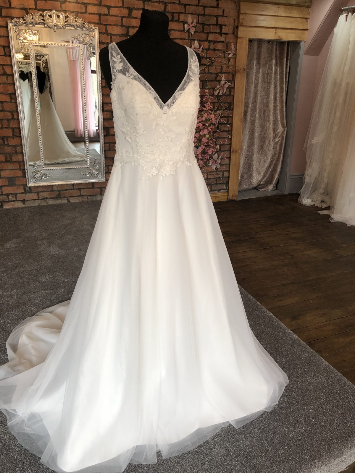 Mascara Wedding Dress 1