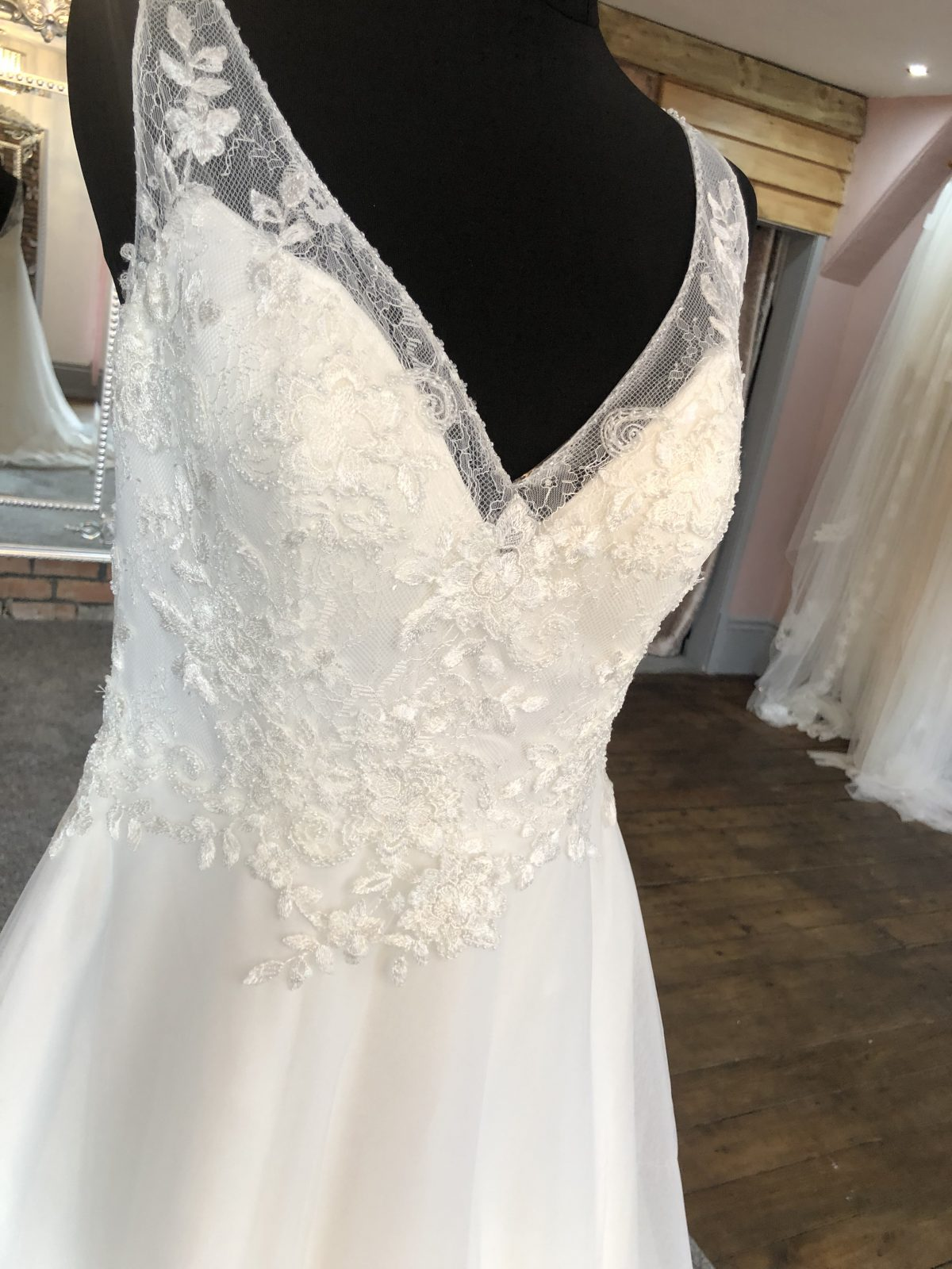 Mascara Wedding Dress 2