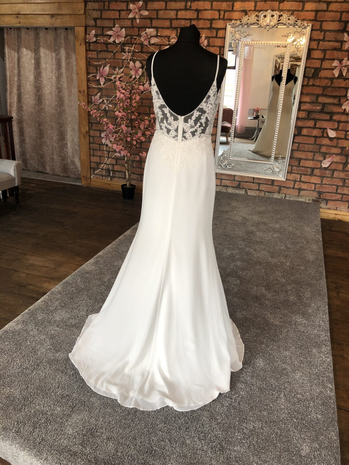 Mascara V Neck Wedding Dress 2