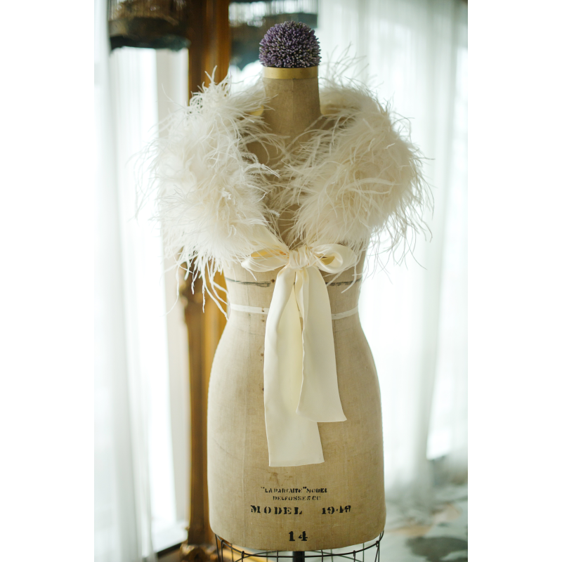 Sass B Ostrich Feather Stole - Ivory 2